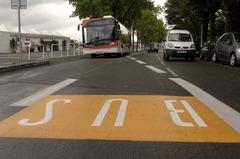 p005_02_bus.jpg